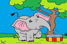 Игривый слон